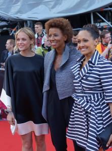 Årets programledere Mirjam Weichselbraun, Alice Tumler og Arabella Kiesbauer - foto: Leif Smith