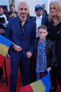 Vokalisten i Voltaj med sønn - foto: Leif Smith